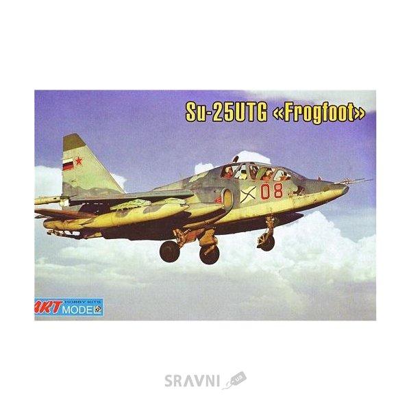 Фото Art Model Учебно-тренировочный самолет Cухой Су-25 УТГ (ART7213)